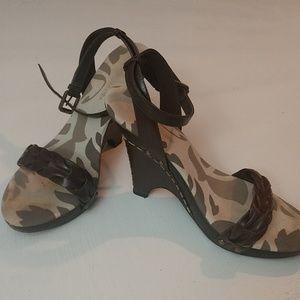 BCBG Max Azaria Brown Leather Sandals